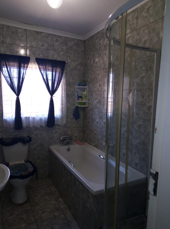 Property For Sale in Ennerdale Ext 10, Johannesburg 18